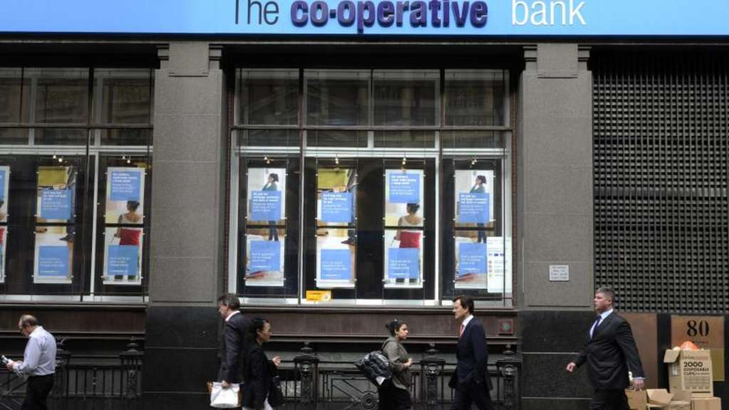 Beim strengen Stresstest der Bank of England fiel mit der Co-operative-Bank ein Institut durch. Lloyds und RBS schafften die Prüfung so gerade. Foto: Facundo Arrizabalaga