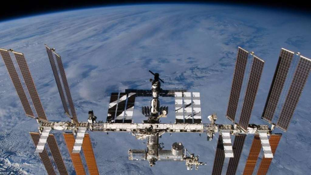 Die Internationale Raumstation (ISS) in der Erdumlaufbahn. Foto: Nasa/Archiv
