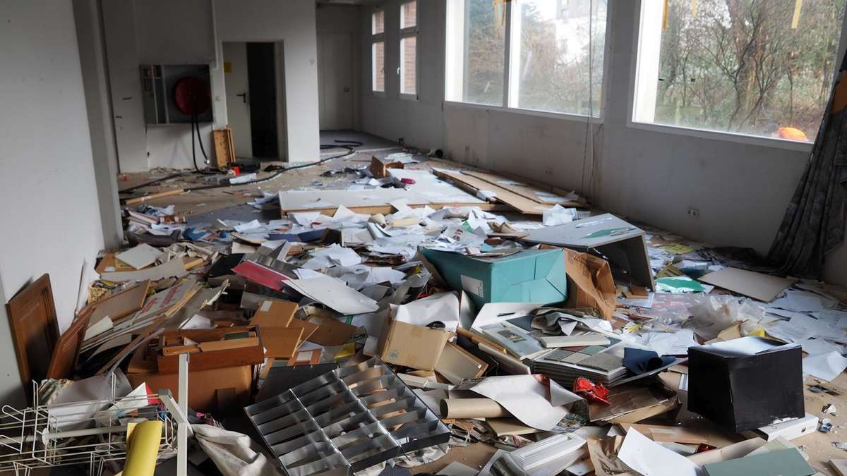 Fotos Vandalismus Im Alten Mobelhaus Hesse In Sontra Sontra