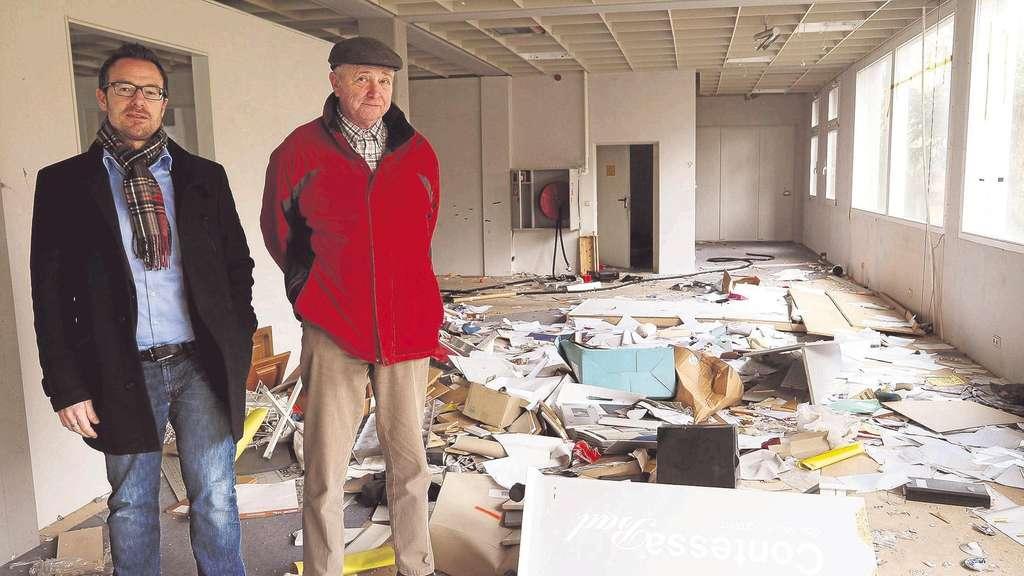 Unbekannte verwüsten über Wochen leerstehendes Möbelhaus in Sontra ...