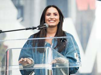 Demi Lovato beim Women's March in Los Angeles.