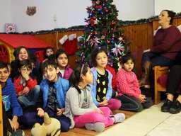 Kinderheim Weihnachtsgeschenke.Kleidung Schulmöbel Und Weihnachtsgeschenke Für Notleidende Kinder