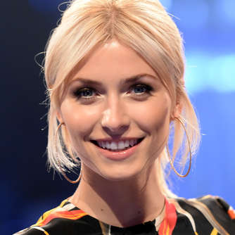 """The Voice of Germany"": Lena Gercke oben ohne im TV-Studio"