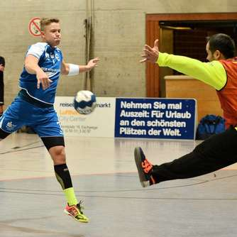 David gegen Goliath im Handball-Derby