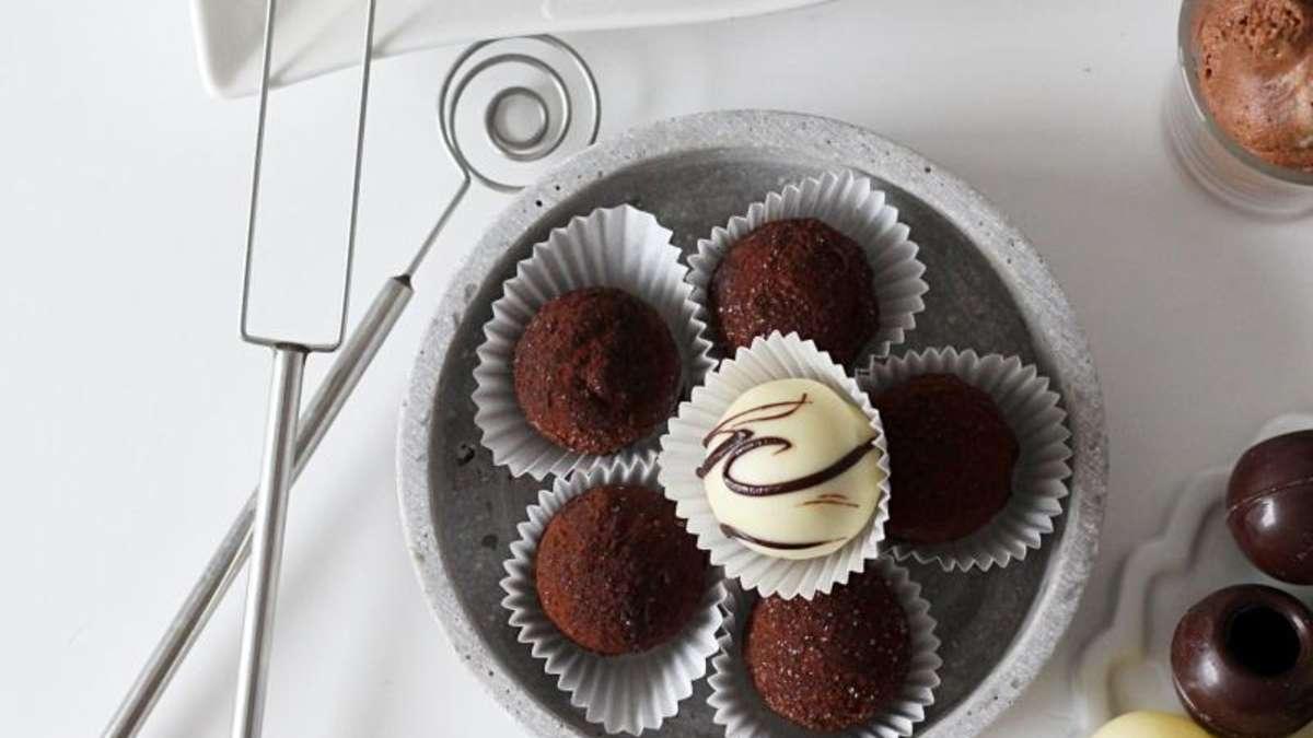 rezept f r mousse au chocolat pralinen gesundheit. Black Bedroom Furniture Sets. Home Design Ideas