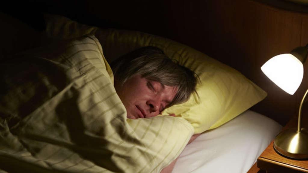 Ohne Decke Schlafen